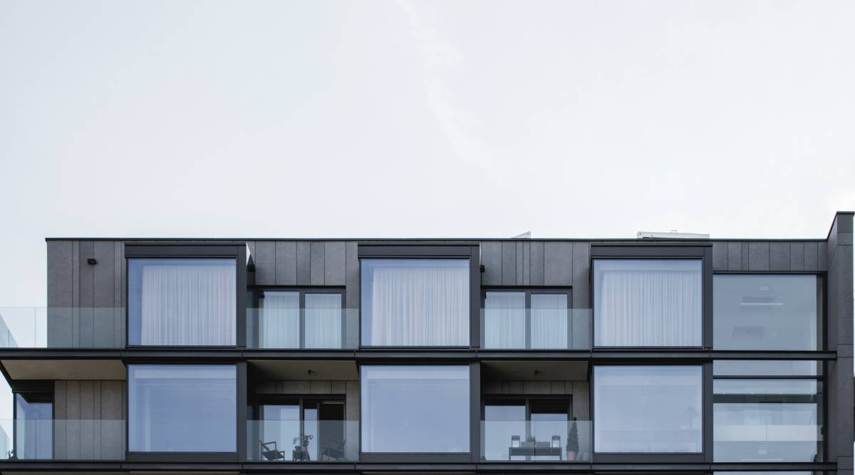 clear-glass-window-buildng-2098782
